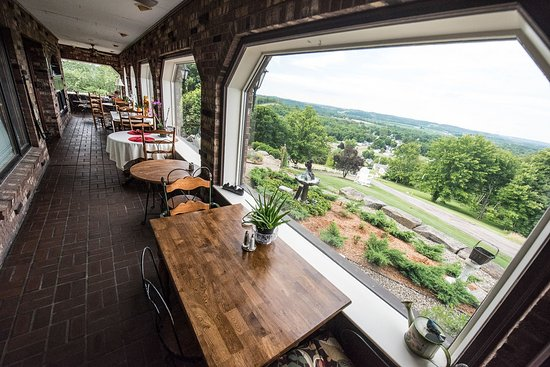 Dresden, OH: Breakfast & Dining Area