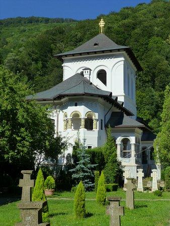 Targu Jiu, Romania: Monasterio de Lainici