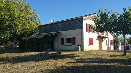 Sainte-Sabine-Born, Francia: 20160813_090924_large.jpg