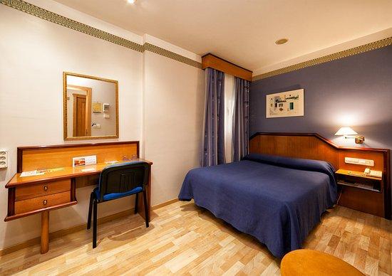 Hotel torrepalma ahora 59 antes 6 5 opiniones for Precio habitacion matrimonio completa