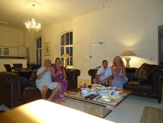 Litton Mill, UK: last night - chilling out after a long walk and pub lunch
