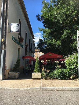 Tarare, Francja: Vue de la façade sur rue