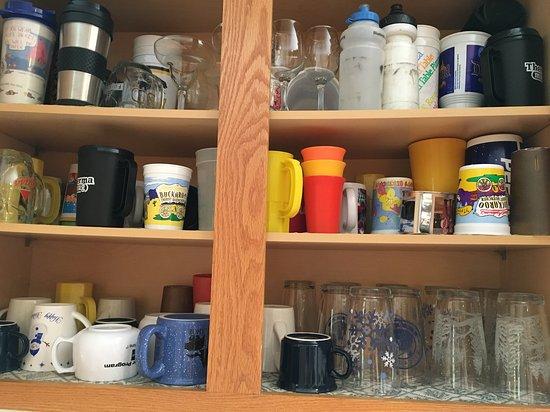 Tahoma, كاليفورنيا: kitchen cupboard