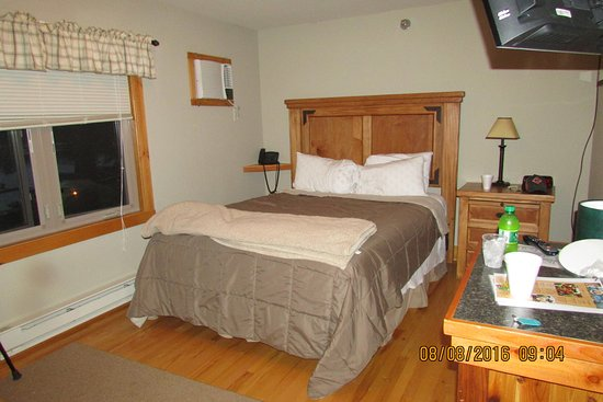 Big Sandy Lodge & Resort: Room 211