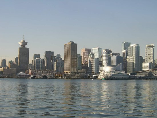 Vancouver Nord, Canada: Downtown Vancouver from the SeaBus, as you're heading south from North Vancouver across the harb
