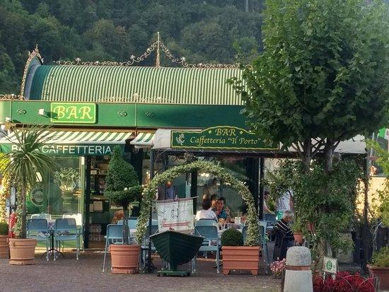 Argegno, إيطاليا: Bar Caffetteria Il Porto