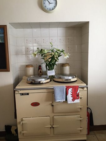 Llanuwchllyn, UK: Vintage cooker display