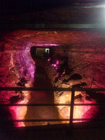 Ida-Viru County, Estland: шахты