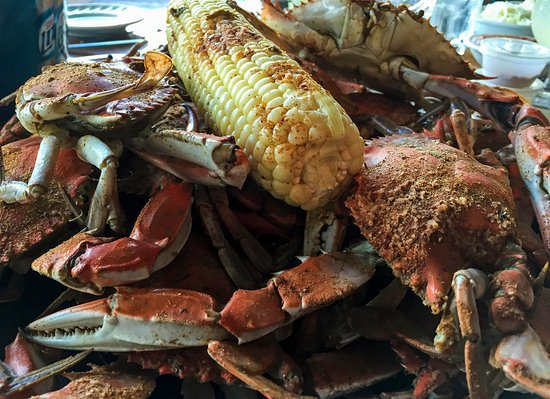 Tilghman, Мэриленд: All you can eat steamed crabs
