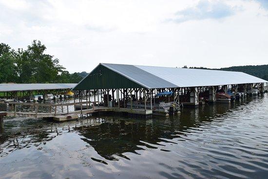 Edgewater Beach Resort: Main dock