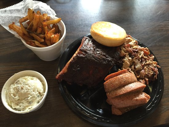 Lucedale, MS: Combo plate
