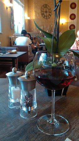 Le Champetre: Un tres bon Menetou Salon servi ici au verre