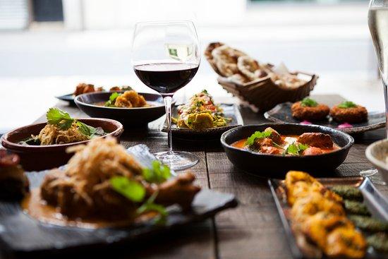Roti Chai: Dining Room Feast