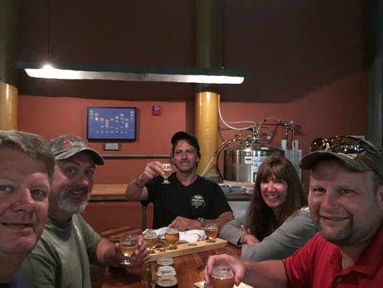 Biddeford, ME: Brew tasting at Banded Horn Brewery