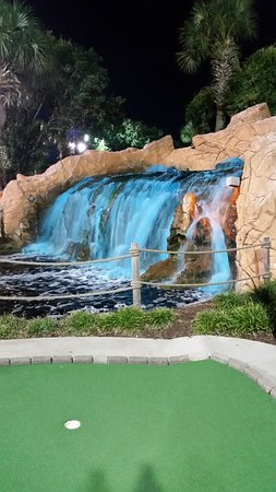 Shipwreck Island Miniature Golf