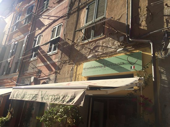 Gelateria Vernazza: That's how the outside currently looks