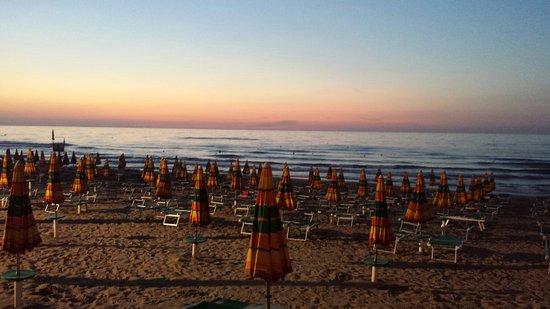 Lido del Sole, Италия: 20160809_203312_large.jpg