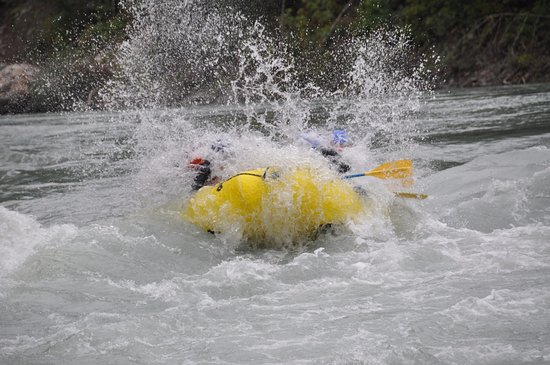 Sunwolf Rafting: Wet at the front!