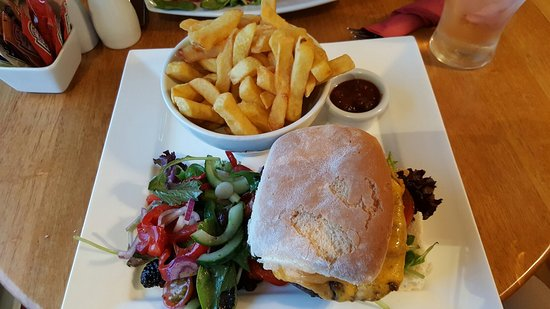 Brittas Bay, Irlanda: Very good value food