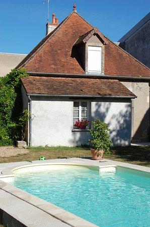 Chambre d 39 hotes des ducs guesthouse reviews price - Chambre des metiers nevers ...