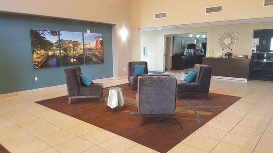 La Quinta Inn & Suites San Antonio North Stone Oak: Lobby
