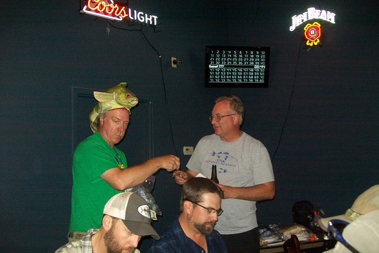 Gretna, NE: A rousing game of Musky bingo was held after the dinner.