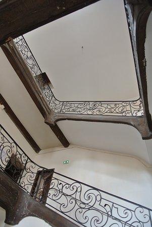"""Musee traditions et vie : Escalier suspendu """"classé"""""""