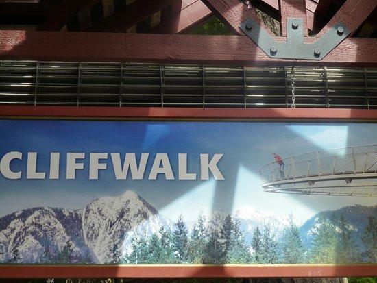 Βόρειο Βανκούβερ, Καναδάς: So wird der Cliffwalk am Eingang dargestellt.