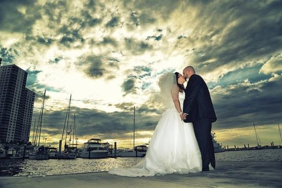Legacy Harbour Hotel & Suites: Wedding