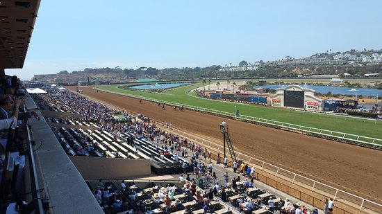 Del Mar, Καλιφόρνια: view of the track from the Turf Club