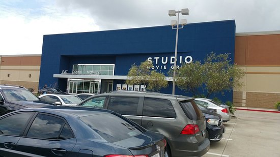 ‪Studio Movie Grill‬