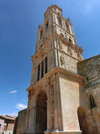 Santa Maria del Campo, Spanien: Detalle de la torre
