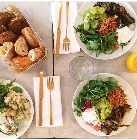 La petite table paris restaurantanmeldelser tripadvisor - La petite table eygalieres ...