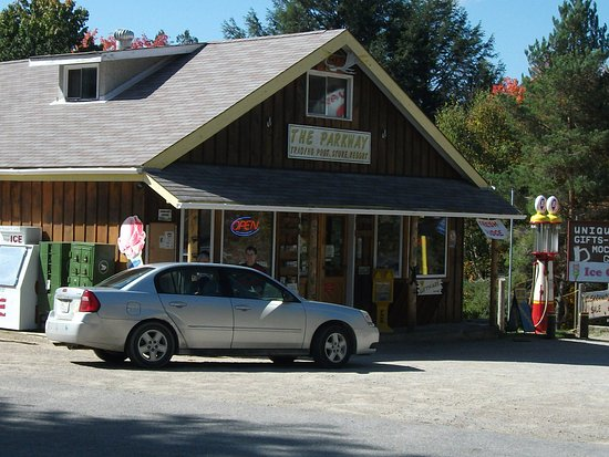Oxtongue Lake, Канада: Main building and Trading Post