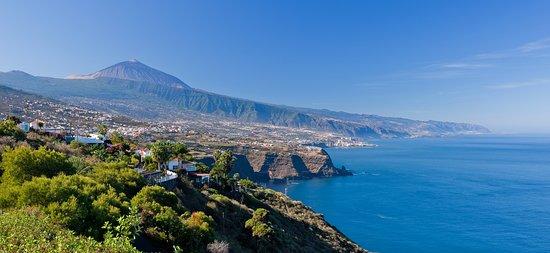 Jardin de la Paz: Surrounding landscape