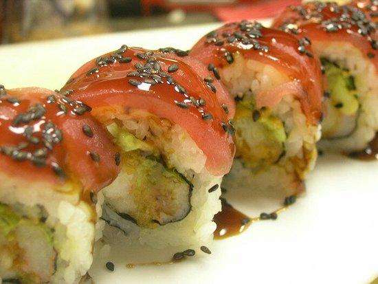 Saki Tumi Grill & Sushi Bar: sakitumi-roll-700x525_large.jpg