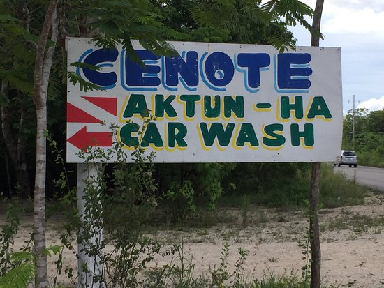Cenote Carwash: road signage