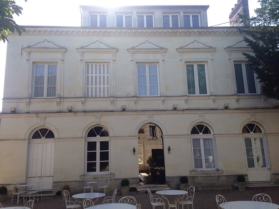 restaurant le grand monarque dans azay le rideau avec cuisine autres cuisines restoranking fr