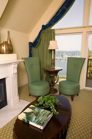 Port Hadlock, WA: SUITE WITH FIREPLACE AND VIEW