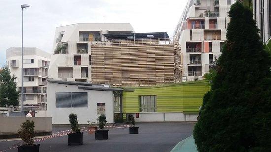 إيبيس باريس برتيه بورت دو كليشي: toegang tot het hotel