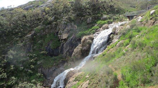 Lesmurdie, Australien: Stunning waterfall