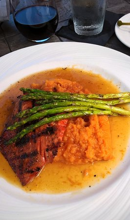 Geneva, IL: Salmon with asparagas and sweet potatoes