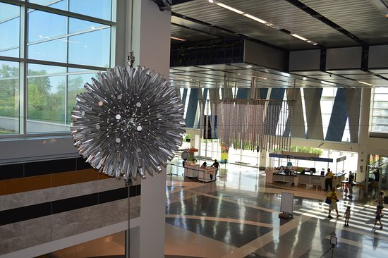 Liberty Science Center: Hoberman Sphere near lobby