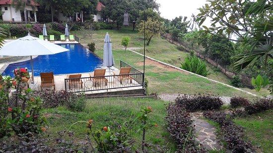 The Hamsa Resort: La piscine