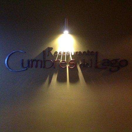 Hotel Cumbres Puerto Varas: Insegna dell'hotel.