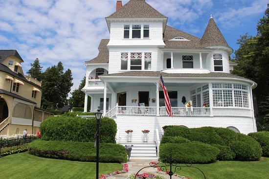 The Wedding Cake House Picture Of Gough Carriages Mackinac Island