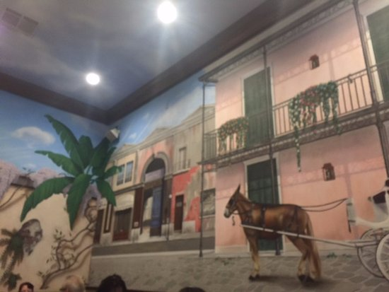 Quarter View Restaurant: the mural inside the restaurant
