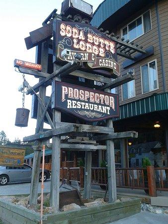 Soda Butte Lodge: 20160810_193915_large.jpg