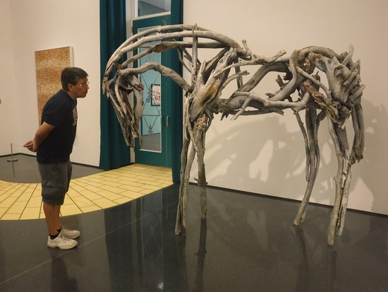 Figge Art Museum : This sculpture reminded me of War Horse