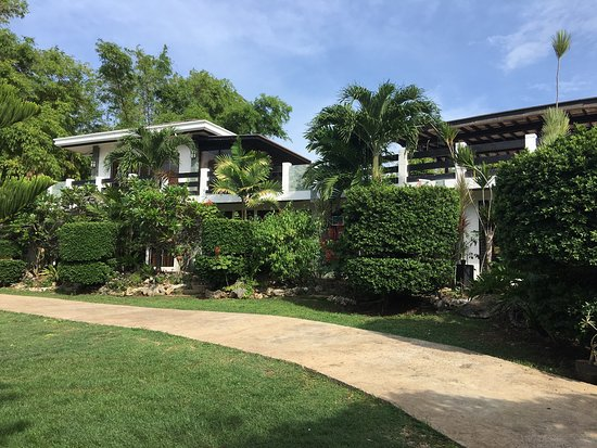 Dauis, Filipinas: La Pernela Beachfront Resort
